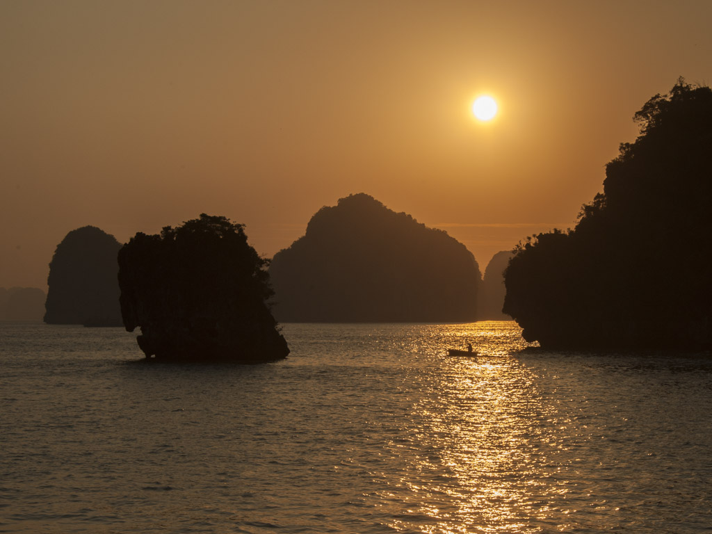 Robert Peters, Ha Long Bay Vietnam